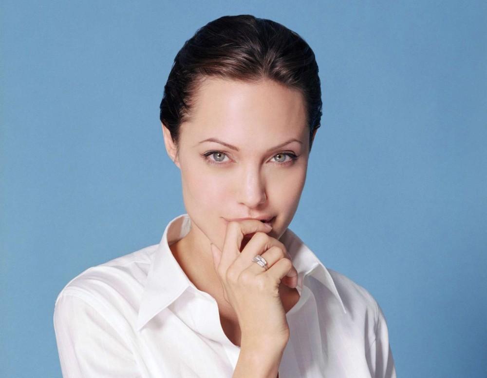 Создаем образ Анджелины Джоли
