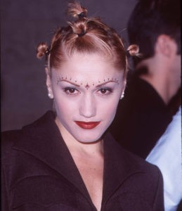 Макияж 90-х годов на Гвен Стефани
