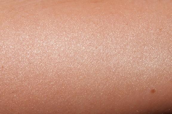 L'Oreal Lumi Magique Pure Light Primer на коже