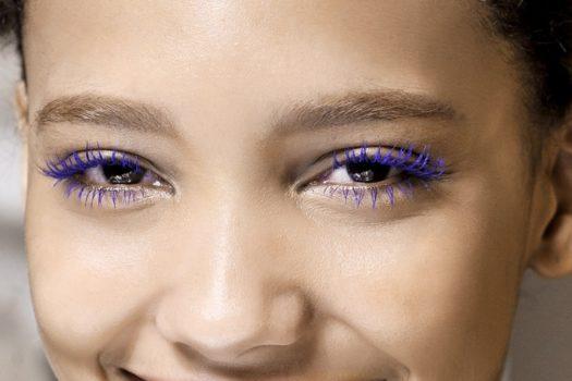 Цветная тушь для ресниц в макияже