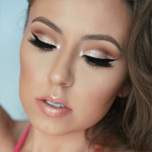 Сияющий макияж с металлической помадой