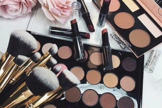 Подробный список того, что нужно для макияжа