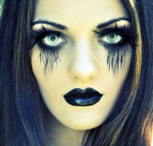 Экстравагантный макияж ведьмы