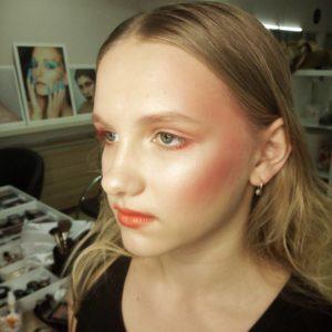 Сексапильный макияж в технике дрейпинг