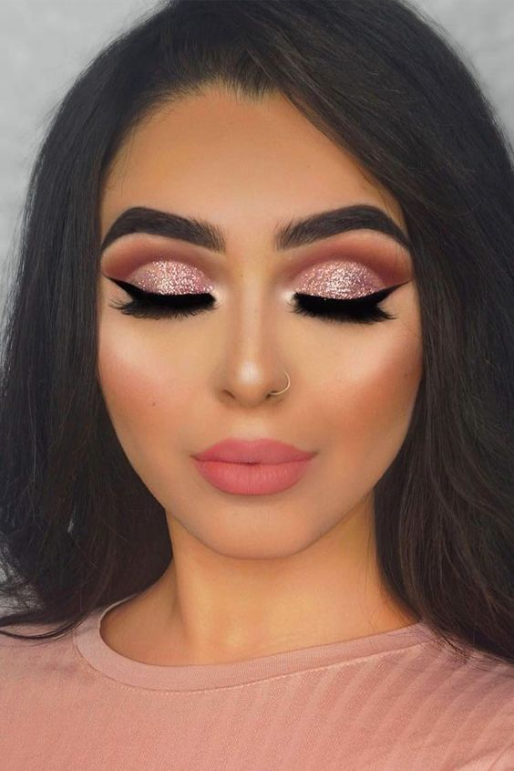 Вечерний макияж в технике cut crease
