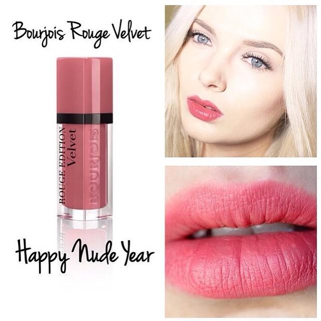 Свотч оттенка №9 Happy Nude Year из линейки матовых помад Rouge Edition Velvet от Bourjois