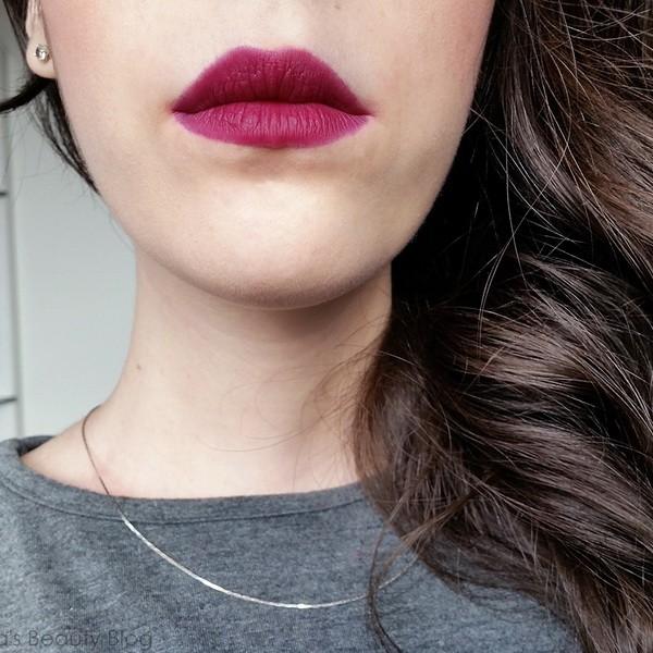 Оттенок №14 Plum plum girl из линейки матовых помад Rouge Edition Velvet от Bourjois