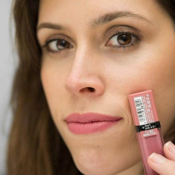 Оттенок №10 Don't pink of it из линейки матовых помад Rouge Edition Velvet от Bourjois