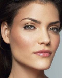Дневной макияж в золотистых оттенках