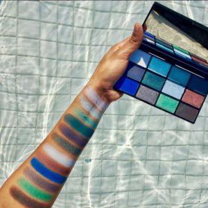 Свотчи оттенков палетки теней In Your Element Shadow Palette Water от NYX