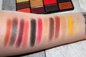 Свотчи оттенков In Your Element Shadow Palette Fire от NYX