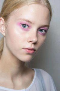 Макияж на 8 марта с розовыми тенями