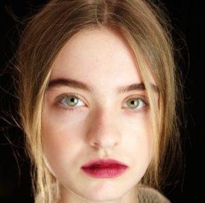 Яркий весенний макияж губ