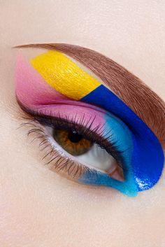 Многоцветный макияж в технике color block