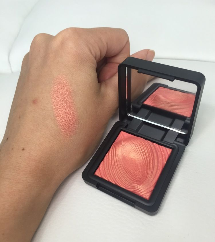 Kiko Water Eyeshadow 218 grapefruit pink