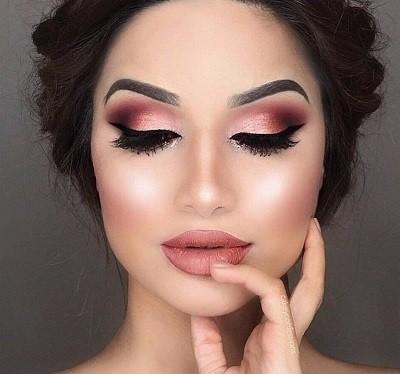 Интенсивный макияж