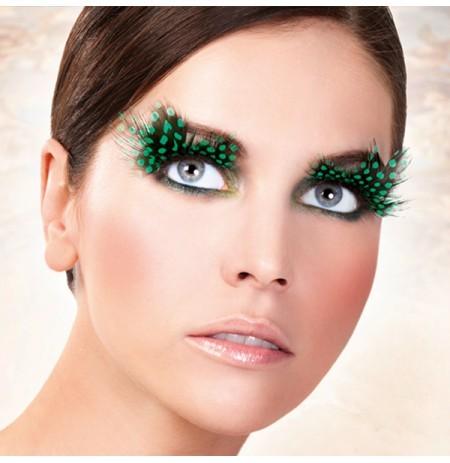 Накладные ресницы с перьями для новогоднего макияжа