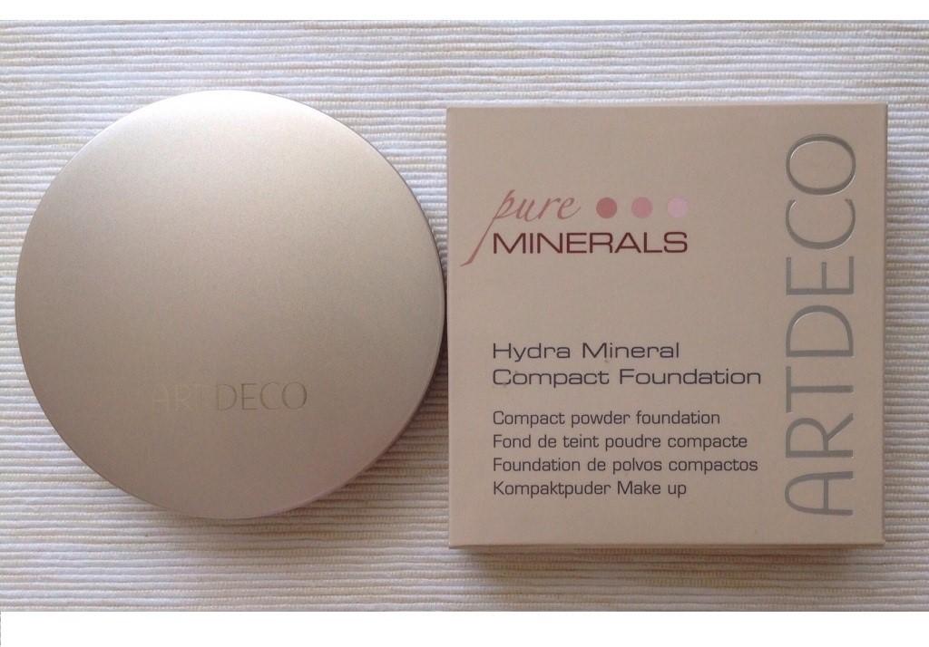 Минеральная пудра-основа под макияж Hydra Mineral Compact Foundation от ArtDeco