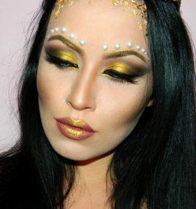 Экстравагантный макияж с помадой металлик