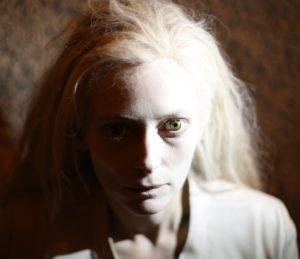 Фото вампирши из фильма «Выживут только любовники»