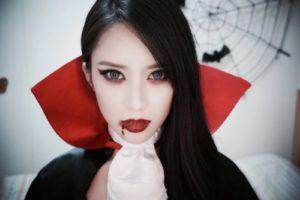 Макияж вампирши со стрелками