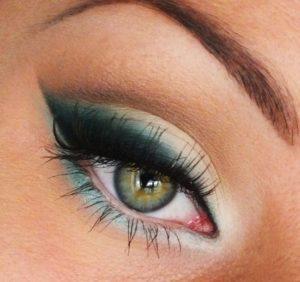 Осенний макияж для зеленых глаз