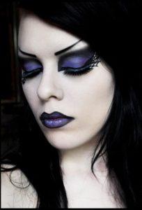 Макияж ведьмы в сине-фиолетовых тонах
