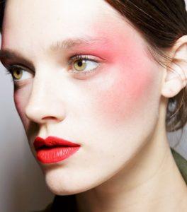 Контрастный макияж в технике дрейпинг