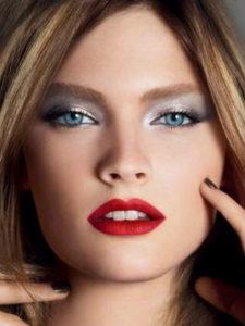 Зимний макияж в голубых тонах