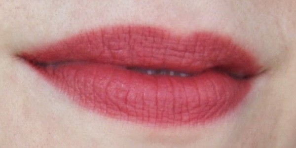 Оттенок №12 Beau brun of it из линейки матовых помад Rouge Edition Velvet от Bourjois