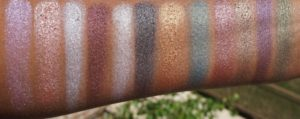 Свотчи палетки теней In Your Element Shadow Palette Metal от NYX при естественном освещении
