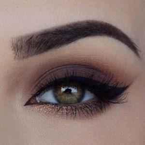 Весенний макияж глаз в технике смоки айс