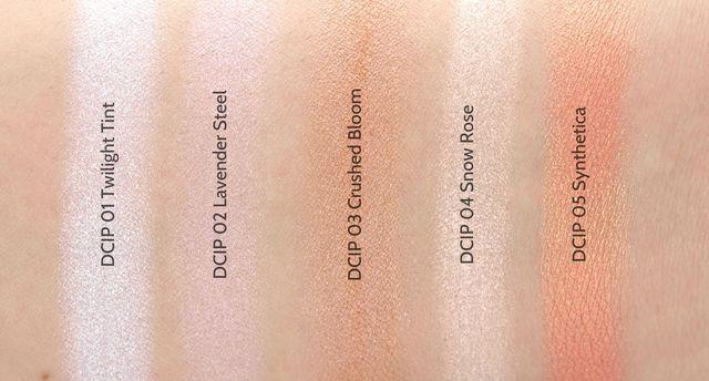 Свотчи оттенков хайлайтеров Duo Chromatic Illuminating Powder от NYX Professional Makeup