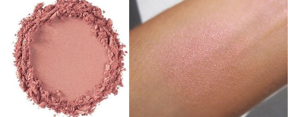 Свотч хайлайтера Duo Chromatic Illuminating Powder от NYX Professional Makeup в оттенке 03 Crushed Bloom