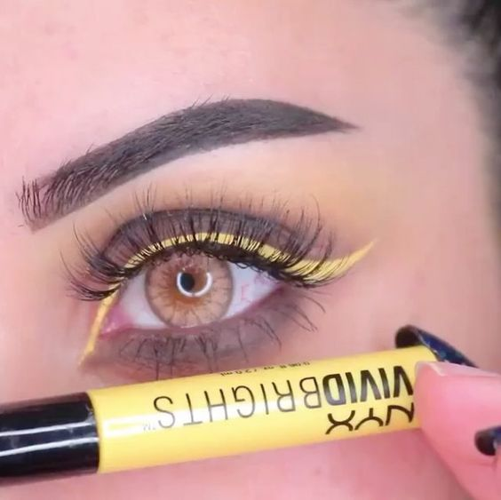 Желтая подводка для глаз Vivid Brights от NYX
