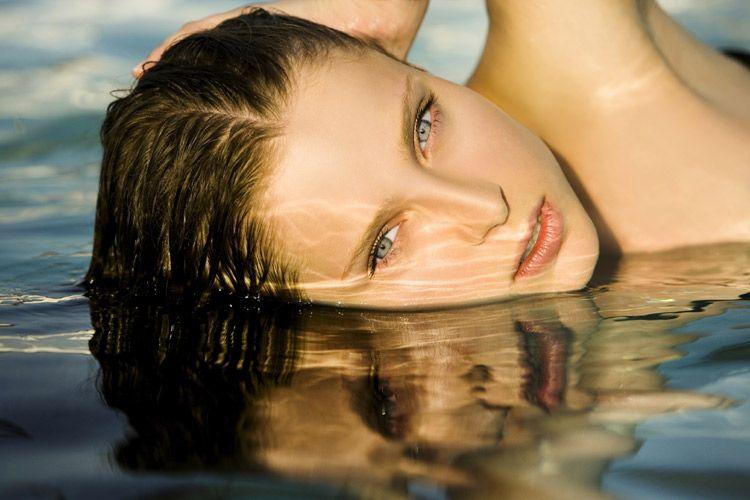 Водостойкая тушь для отдыха у воды
