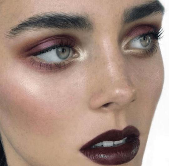 Макияж с бордовыми тенями зеленые глаза