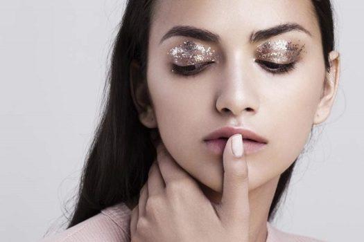 Глиттеры и блестки в макияже