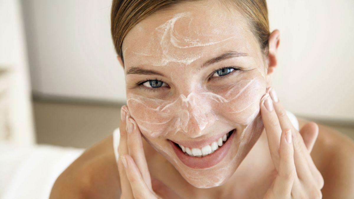 Питание для кожи лица: как выбрать питательную косметику