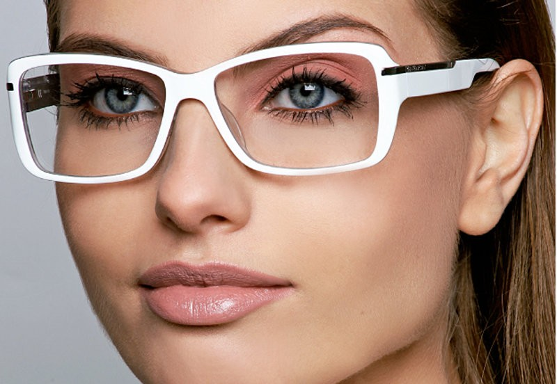 Макияж с очками для зрения