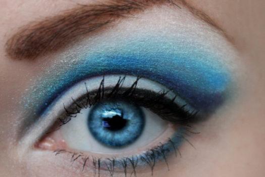 Вечерний макияж для голубых глаз: 10 стильных идей