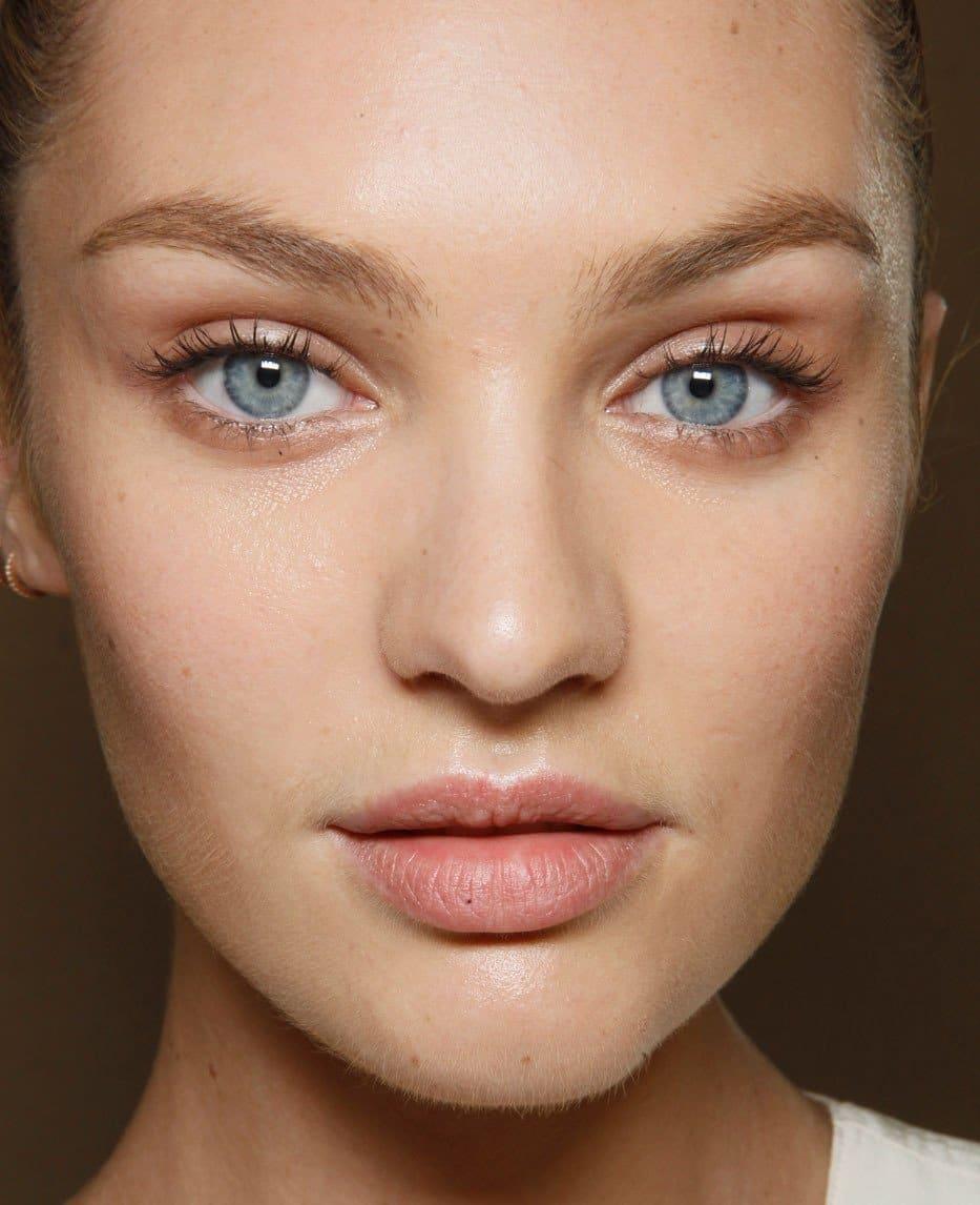Красивый легкий макияж для девушек: пошаговое руководство