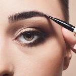 Как правильно красить брови тенями и карандашом поэтапно