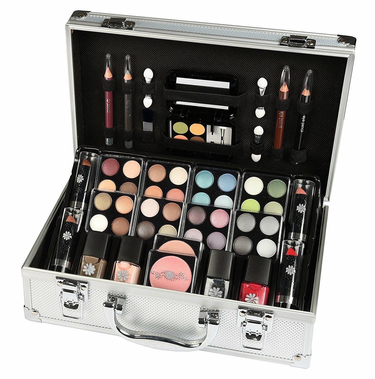 Набор косметики для макияжа для девушек и женщин: обзор, состав, особенности