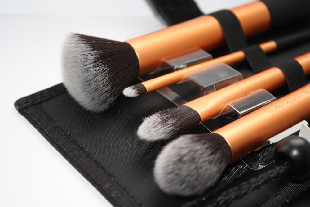 Косметические кисти для нанесения макияжа: какая для чего+фото