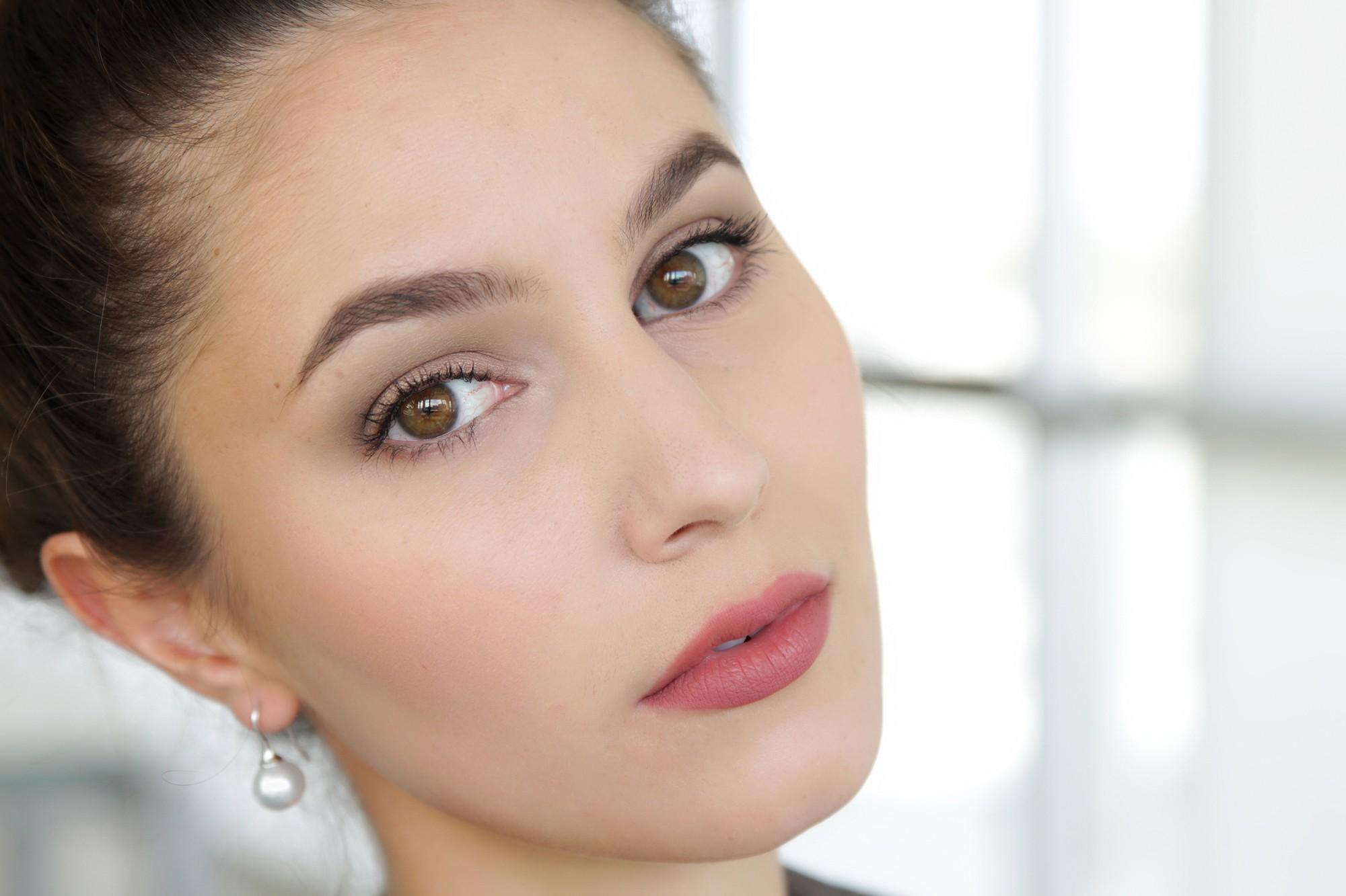 Как сделать французский повседневный макияж?