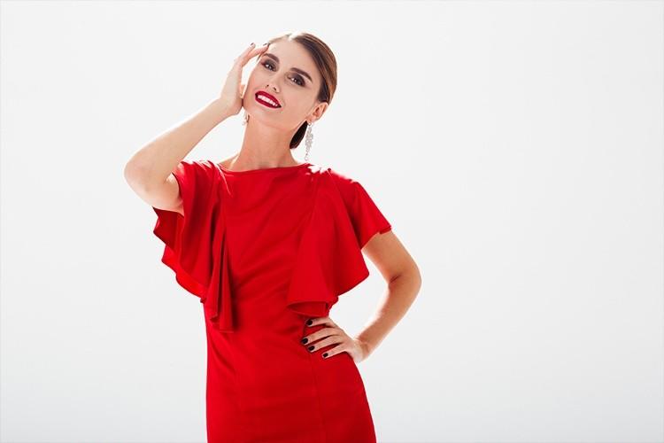 Макияж под красное платье: пошаговое фото