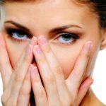 Как быстро снять отек с лица утром в домашних условиях