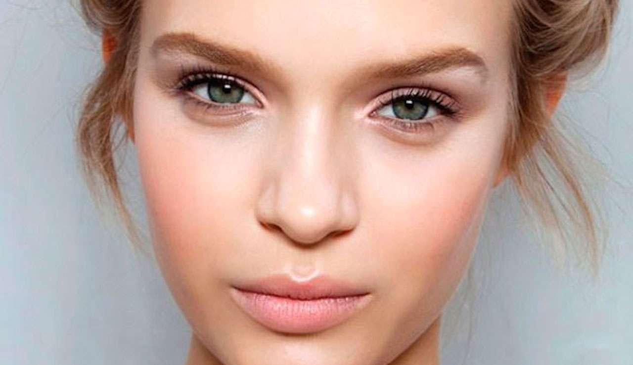 Как зрительно уменьшить нос макияжем