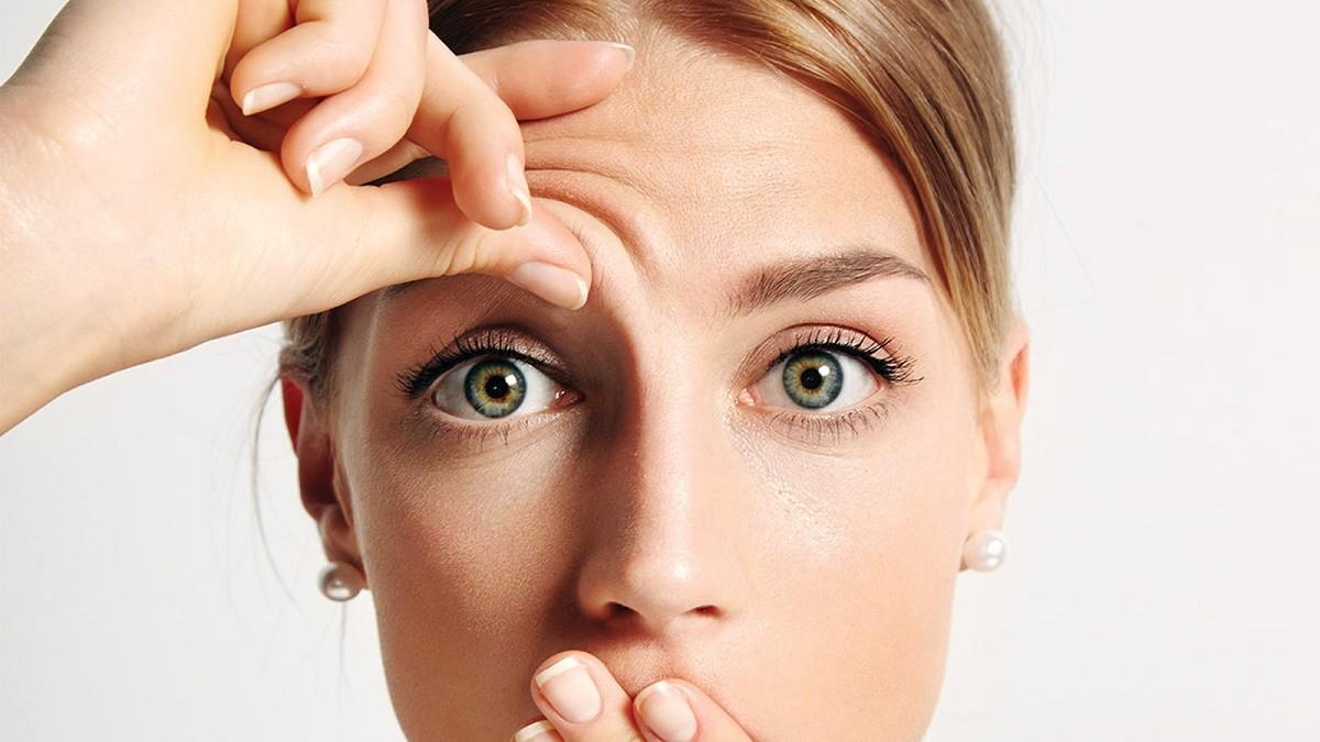 Как эффективно и быстро избавиться от морщин на лбу в домашних условиях и в косметологии